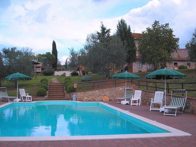 Agriturismo con piscina a pienza in toscana agriturismo - Agriturismo firenze con piscina ...